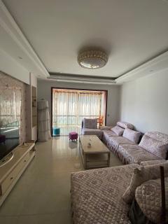 【中介房源】御景东城3室2厅2卫1700元/月130m²简单装修出租